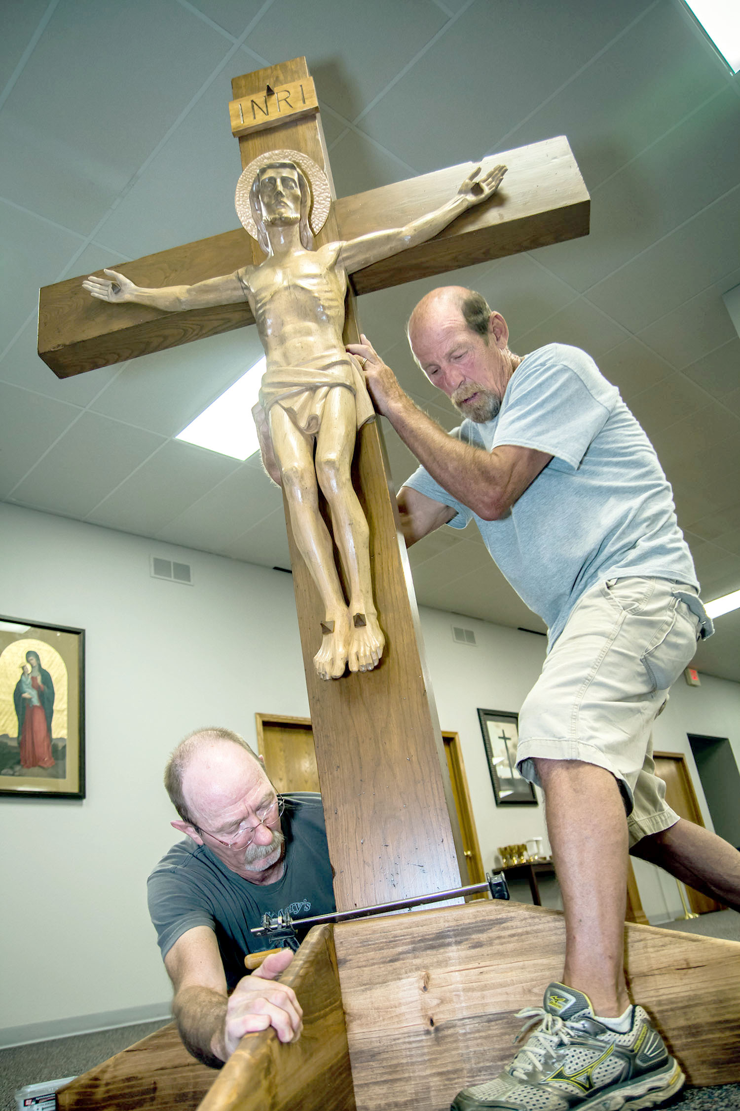 Crucifix Returns To St Mary Parish After Three Year Absence Dioscg